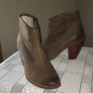 Hinge Leather Boots